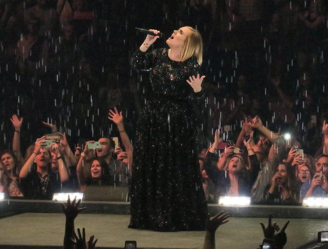 Adele en concert à Nashville le 16 octobre 2016