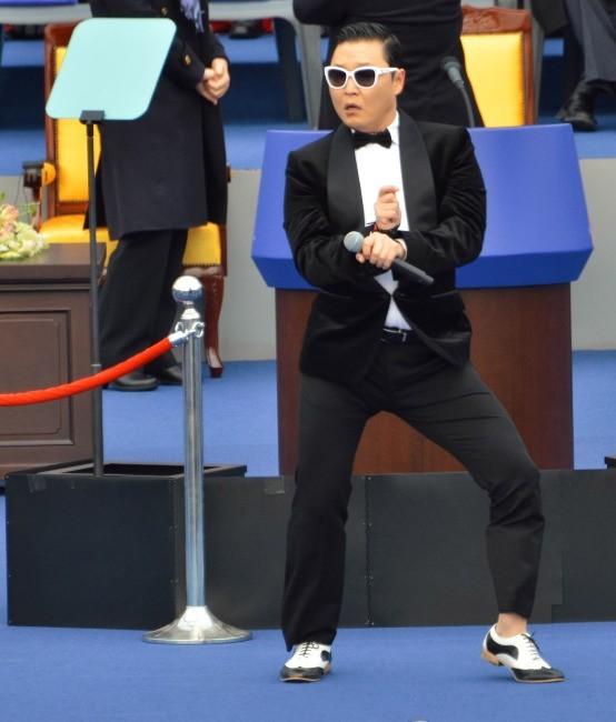 Psy, troisième des meilleures ventes de singles avec Gangnam Style !