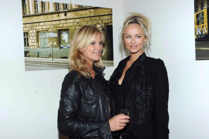 Adriana Karembeu et sa soeur Natalia Sklenarikova lancent les vendanges du clos Lanson à Reims, le 27 août 2011.