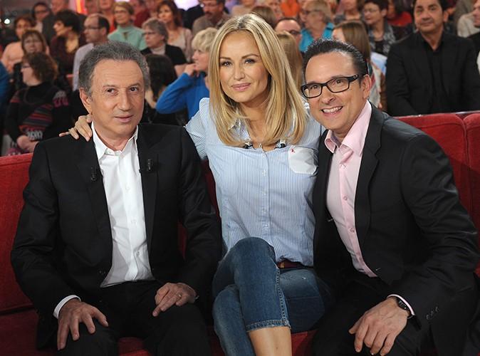 """Michel Drucker, Adriana Karembeu et Jean-Marc Généreux sur le plateau de """"Vivement Dimanche"""" le 13 novembre 2013"""