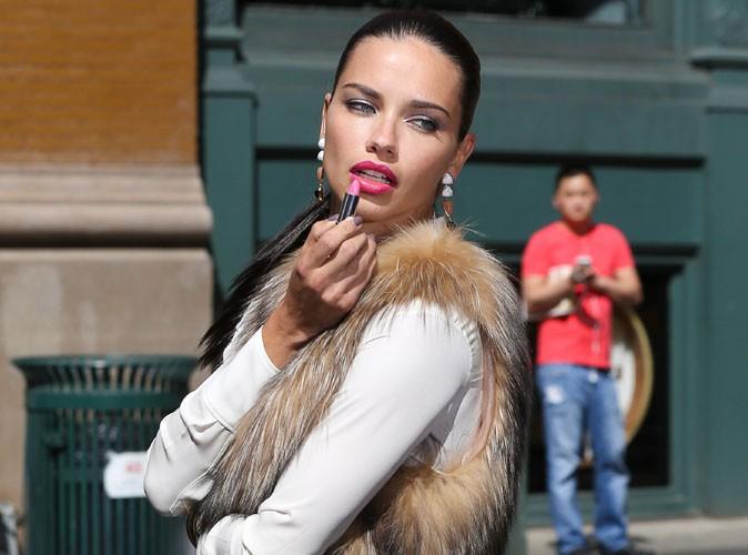 Adriana Lima : pas le temps de penser à ses peines de coeurs, les shootings n'attendent pas !