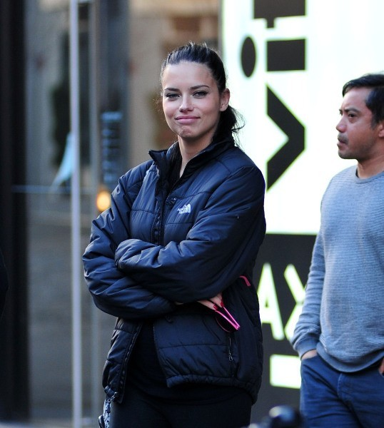 Adriana Lima le 4 décembre 2012 à New York