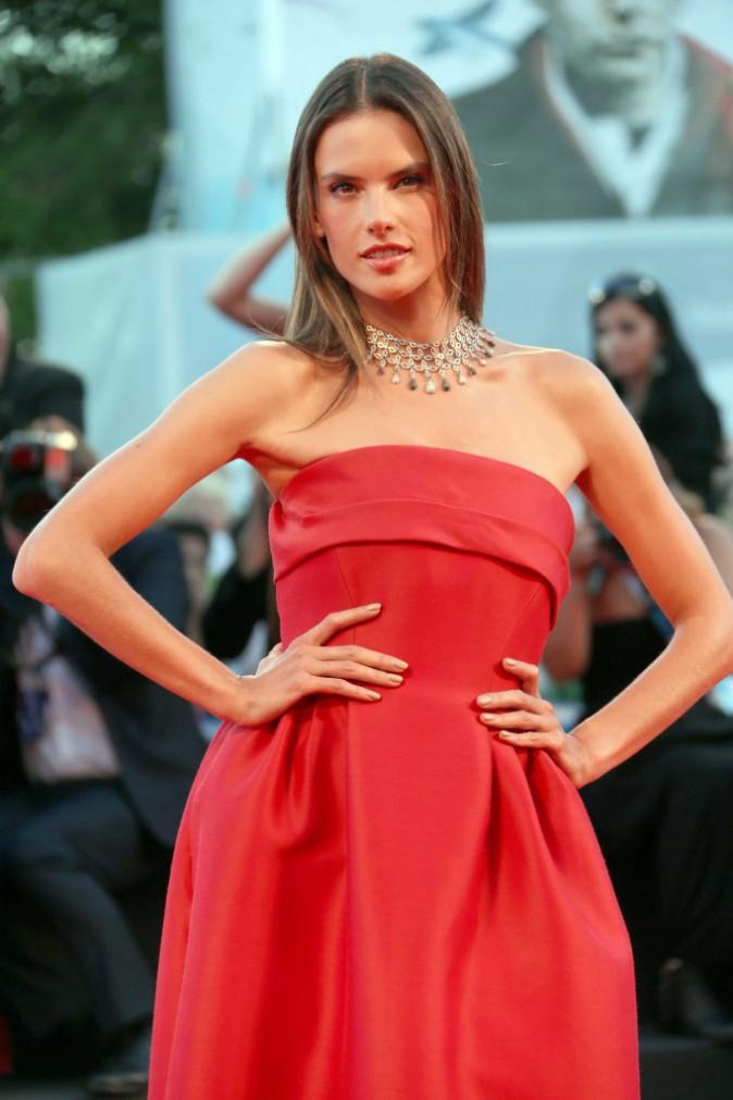 Photos : Alessandra Ambrosio : absolument divine à la Mostra de Venise !