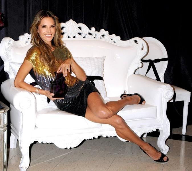 Photos : Alessandra Ambrosio à 28 ans