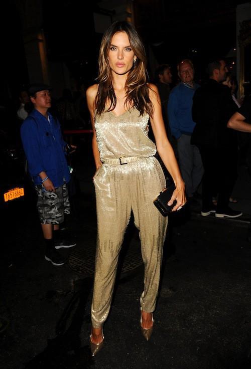Photos : Alessandra Ambrosio : de nouveau éblouissante, elle brille en soirée !