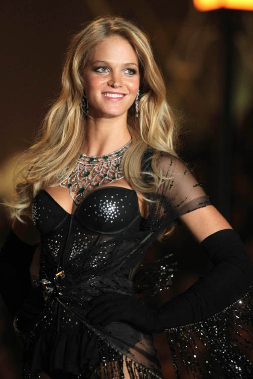 Erin Heatherton au Victoria's Secret Fashion Show, à New-York, le 13 novembre 2013