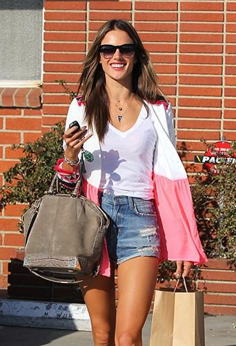 Alessandra Ambrosio à Los Angeles le 4 octobre 2013