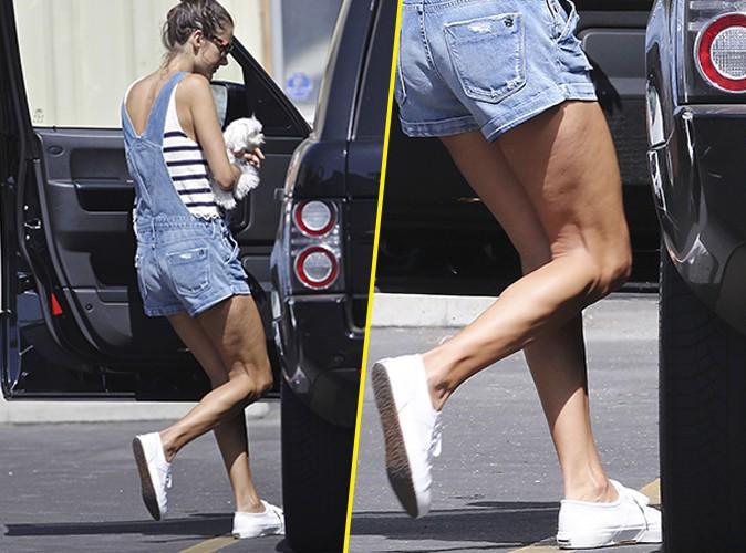 Photos : Alessandra Ambrosio : gambettes à l'air et cellulite en vue !