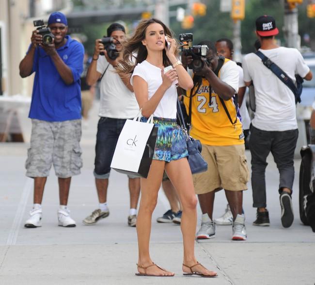 Alessandra Ambrosio à New York, le 8 juillet 2013.