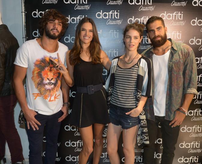 Photos : Alessandra Ambrosio : rayonnante, elle s'éclate à Sao Paulo !