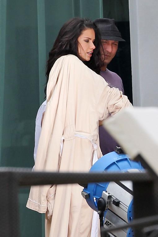 Adriana Lima en shooting pour Victoria's Secret à Miami le 30 janvier 2014