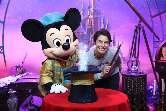 Alessandra Sublet lors du lancement du nouveau spectacle de Disneyland Paris, le 2 juillet 2016.