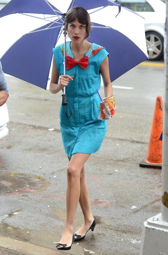Alexa Chung sur le tournage de Gossip Girl à New-York le 1er août 2012