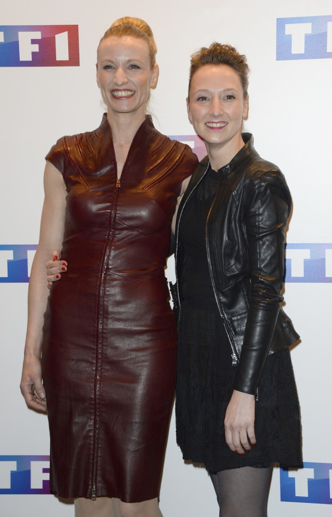 """Alexandra et Audrey Lamy lors de l'avant-première du téléfilm """"Ce soir je vais tuer l'assassin de mon fils"""" à Paris, le 24 mars 2014."""