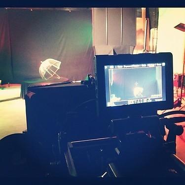 Alizée présente le studio où elle tourne son clip !