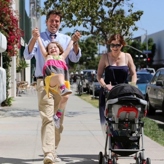 Alyson Hannigan en famille à Los Angeles le 12 août 2012