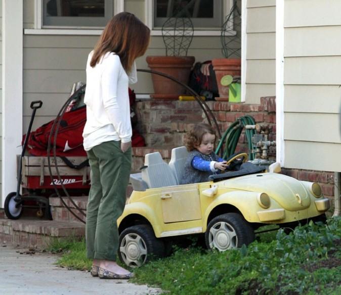 Un jour aussi, sa fille aura une voiture de star, pour l'instant il faut se contenter de celle-là !