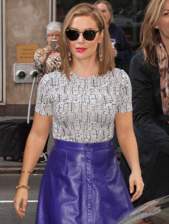 "Alyssa Milano à son arrivée devant les studios de ""Live with Kelly"", à New-York, le 22 octobre 2013"