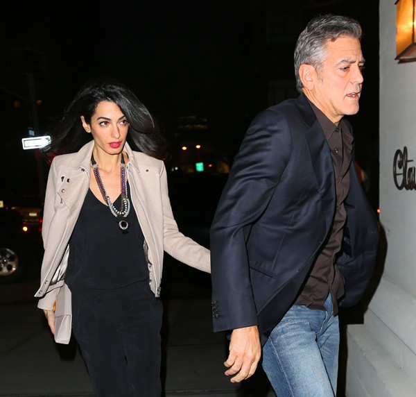 George and Amal having dinner with Julia Roberts April 20, 2015 Amal-et-George-Clooney-a-New-York-le-20-avril-2015_portrait_w674