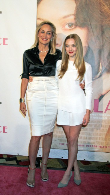 Sharon Stone et Amanda Seyfried lors de la première du film Lovelace à Las Vegas, le 4 août 2013.