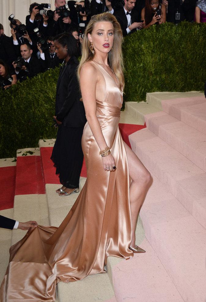 Amber Heard au gala du MET à New York le 3 mai 2016