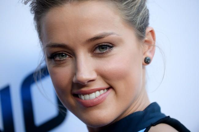 Amber Heard lors de la première du film Paranoia à Los Angeles, le 8 août 2013.