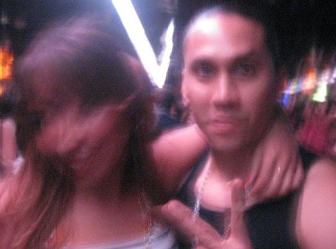 Taboo (on distingue bien sa tête) des Black Eyed Peas avec notre journaliste Public, Nadia.