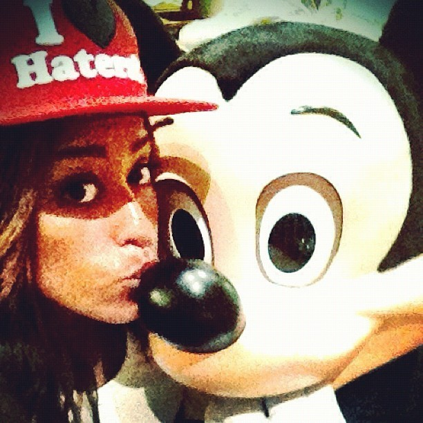 Amel adore Mickey