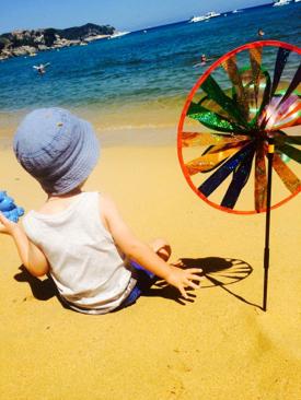Photos : Amélie Neten : vacances au soleil et sur le sable avec son fiston !