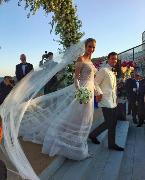 Photos : Ana Beatriz Barros : La top brésilienne s'offre deux sublimes robes pour son mariage !