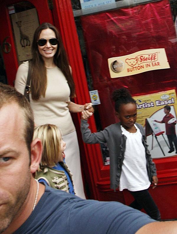 Angelina sort avec Zahara !