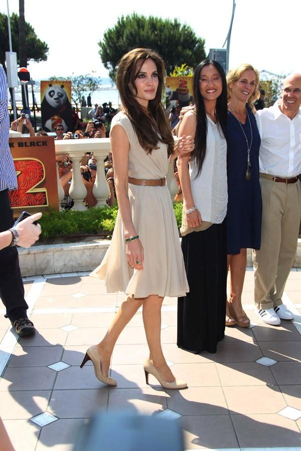 Même sans robe longue, elle est chic, en 2011
