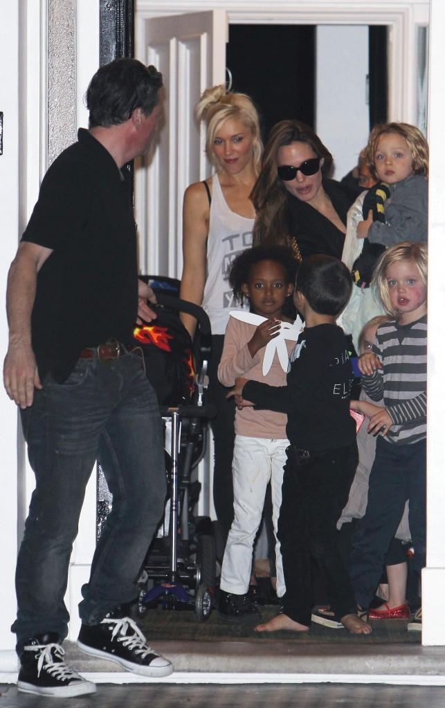 Heureusement Angelina a toujours de l'aide extérieure...