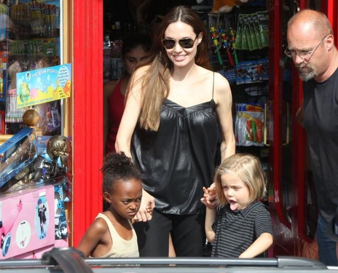 On ne pourra pas reprocher à Angelina Jolie de ne pas s'occuper de ses enfants !