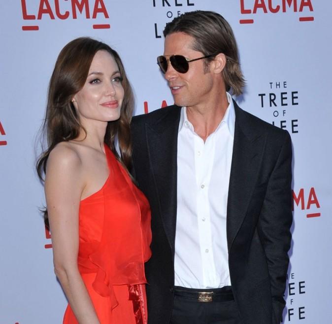 Brad Pitt, attentif à Angie...
