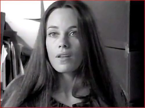 La mère d'Angelina Jolie dans sa jeunesse dans le film, Borderline