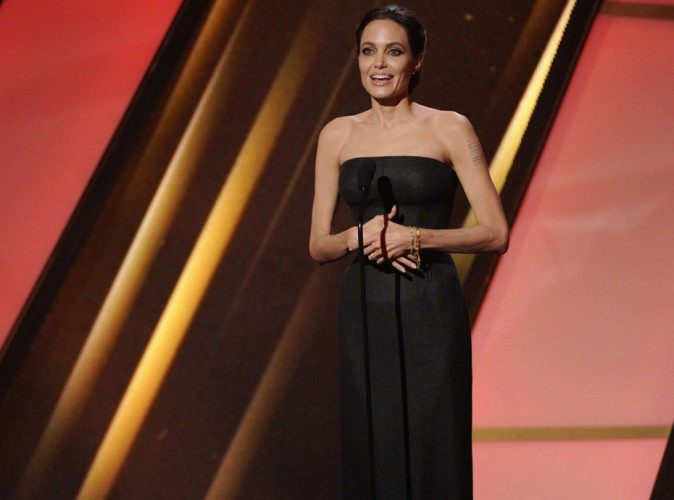 Angelina Jolie : première apparition glamour à Hollywood depuis son mariage avec Brad Pitt !