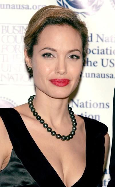Angelina Jolie lors d'un gala organisé par les Nations Unies en son honneur à New York, le 11 octobre 2005.