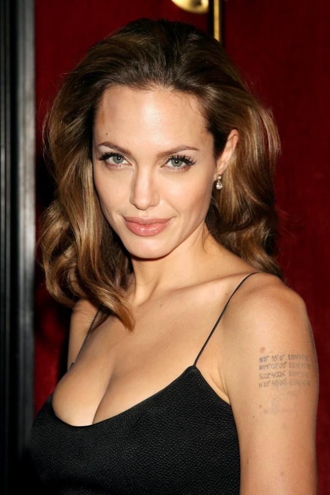 """Angelina Jolie lors de la première du film """"The Assassination of Jesse James by the Coward Robert Ford"""" à New York, le 18 septembre 2007."""