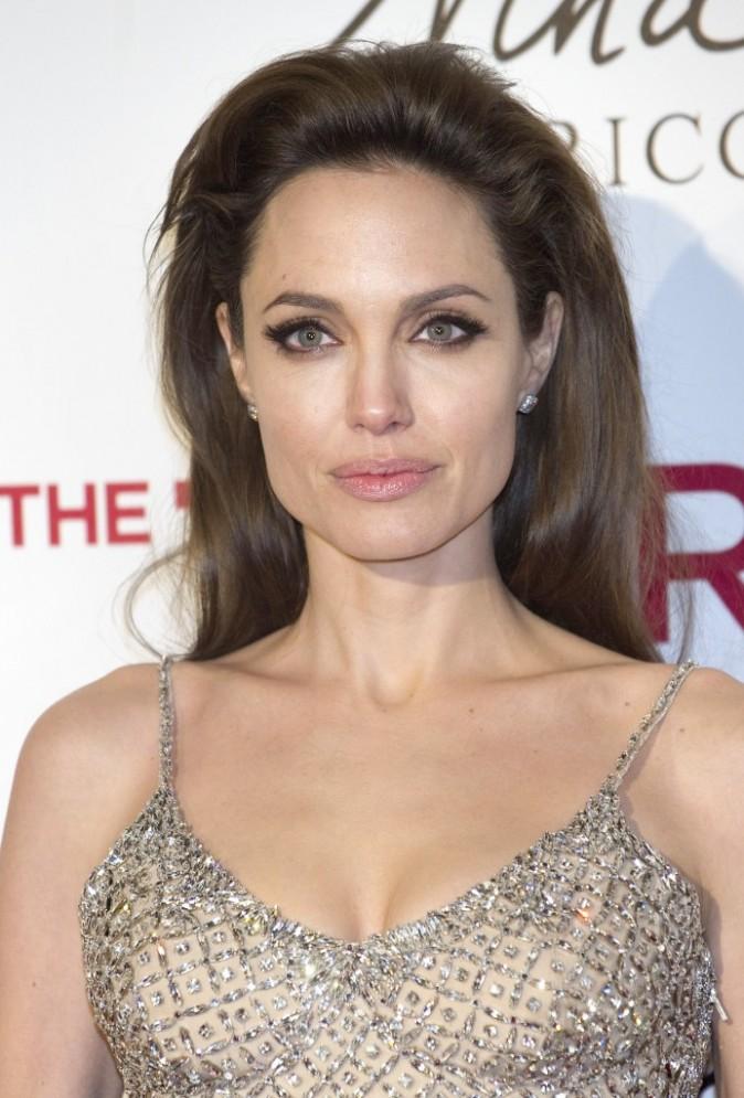 """Angelina Jolie lors de la première du film """"The Tourist"""" à Madrid, le 16 décembre 2010."""