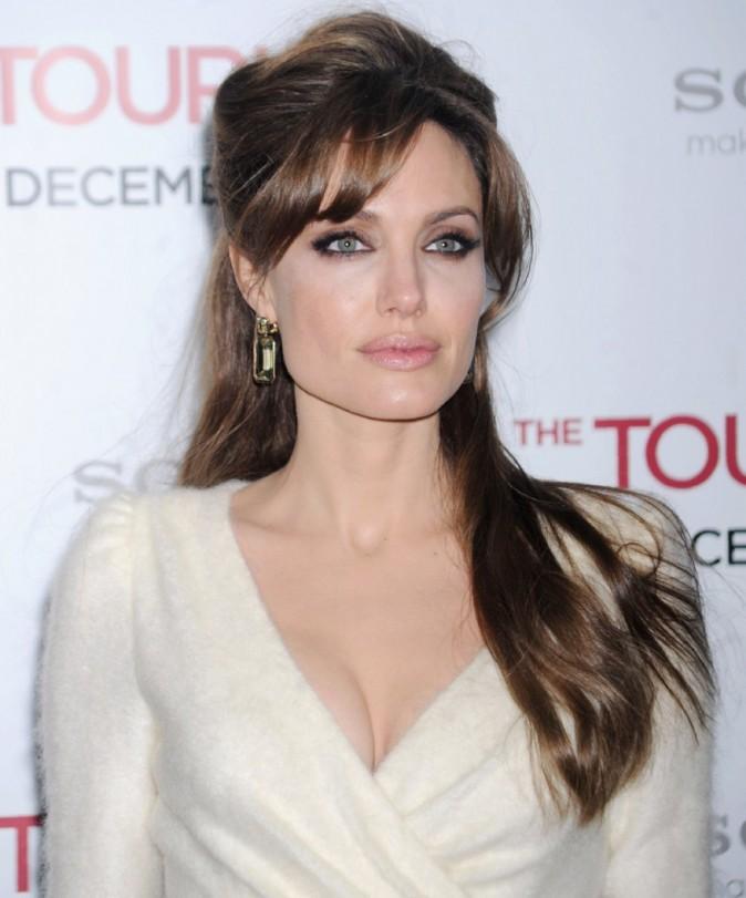 """Angelina Jolie lors de la première du film """"The Tourist"""" à New York, le 6 décembre 2010."""