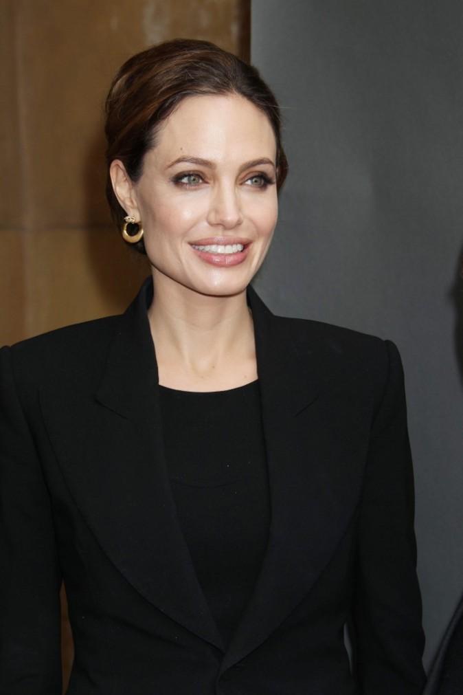 Angelina Jolie sort le sourire des grands jours !