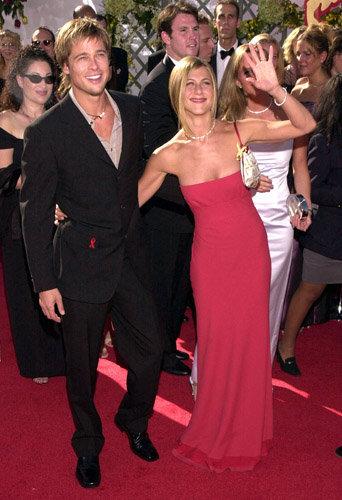Photos : Angelina Jolie VS Jennifer Aniston : avec qui avez vous préféré Brad Pitt ?