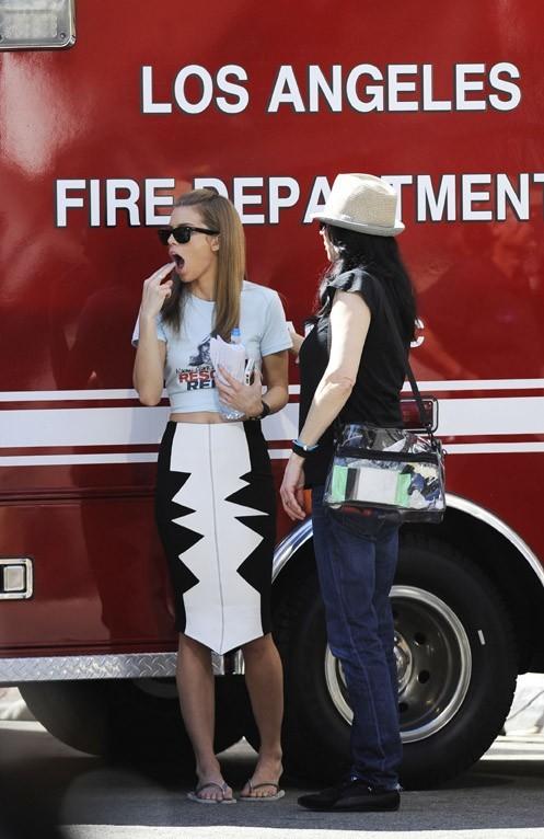 AnnaLynne McCord sur le tournage de 90210 à Los Angeles le 1er mars 2013
