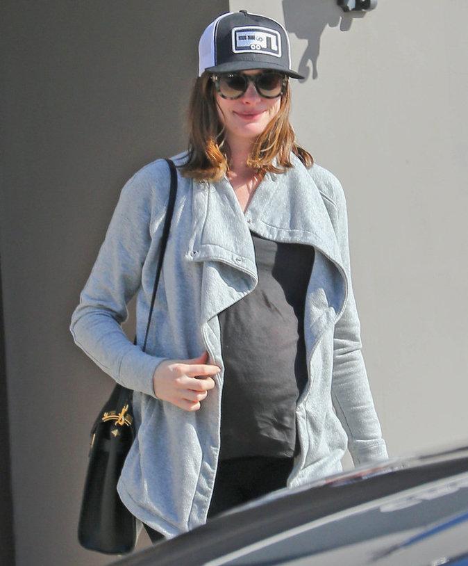 Photos : Anne Hathaway : de nouveau princesse au cinéma, en attendant la naissance de la sienne !
