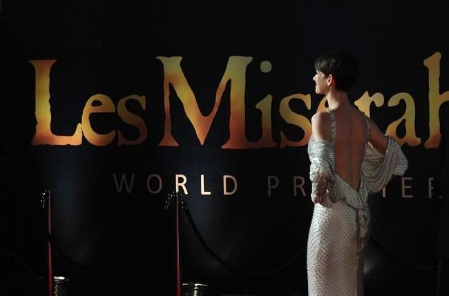 """Anne Hathaway lors de la première du film """" Les Misérables"""" à Londres, le 5 décembre 2012."""