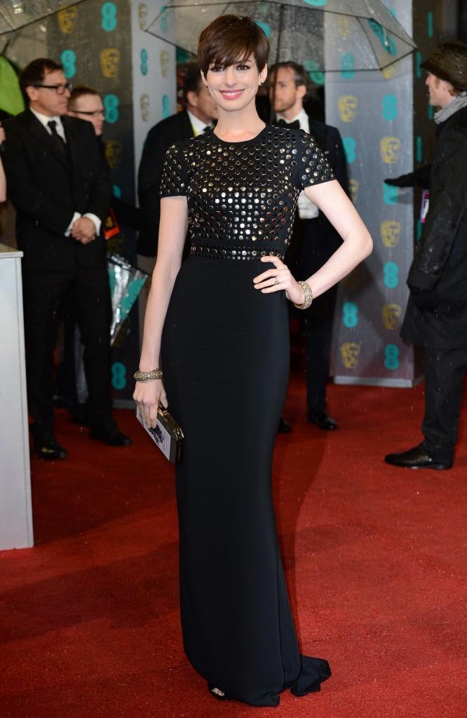 Anne Hathaway lors de la cérémonie des BAFTA Awards à Londres, le 10 février 2013.