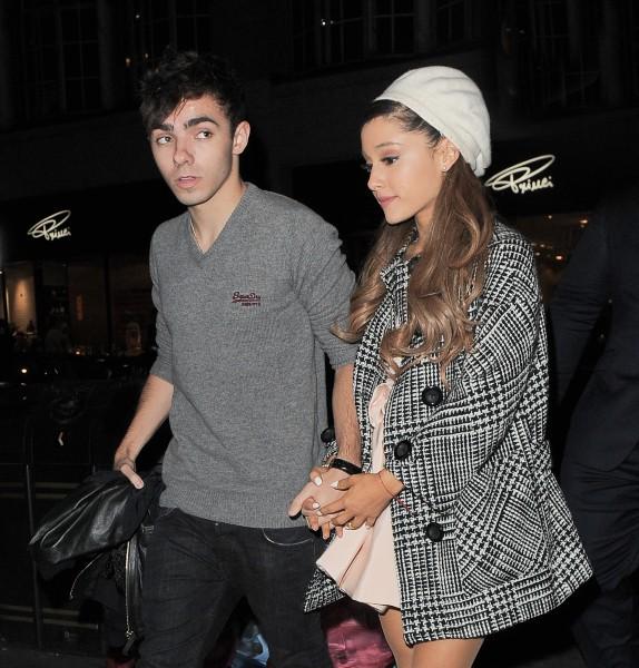 Ariana Grande et Nathan Sykes à Londres, le 9 octobre 2013.