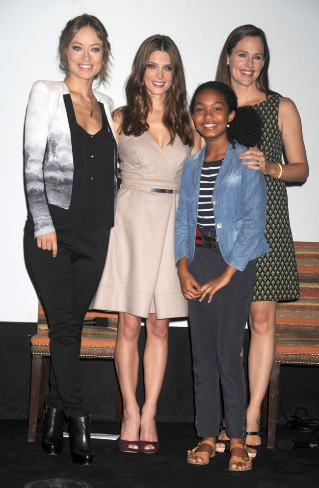 Ashley Greene, avec Olivia Wilde et Jennifer Garner le 27 septembre 2012 à New York