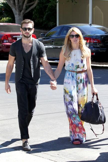 Ashley Greene et Paul Khoury à Studio City, le 6 octobre 2013.